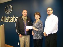 Seaway Valley Crime Stoppers Cops $1000 Donation from Allstate Insurance – Cornwall Ontario – November 27, 2009