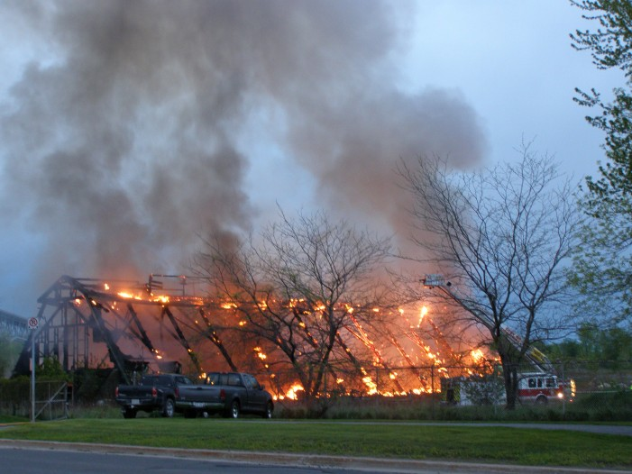 FIRE Consumes FORMER CIL Building on old Domtar site – Seaway International Bridge Shut down – BREAKING Cornwall Ontario – May 7, 2010