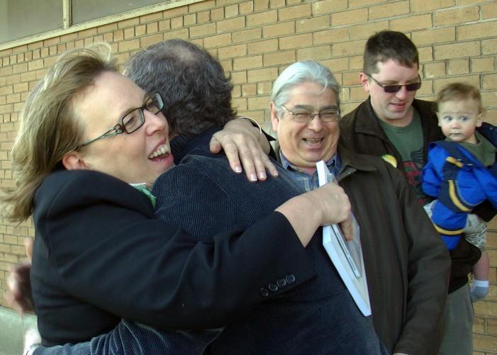 Green Leader Elizabeth May Visits Cornwall Ontario – Candidate Wyatt Walsh Meets and Greets – April 8, 2011 – HD VIDEO