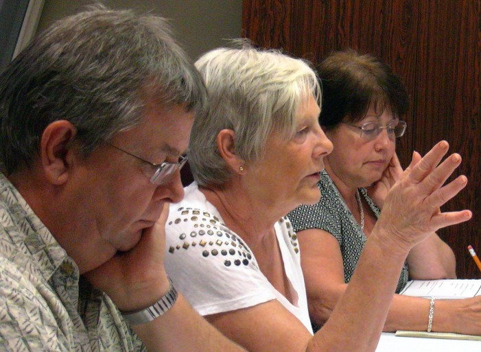 Cornwall Ontario Waterfront Condo Committee Has Wounded Feelings About Media Coverage – Tries to Force Media to Sit in Corner – VIDEO
