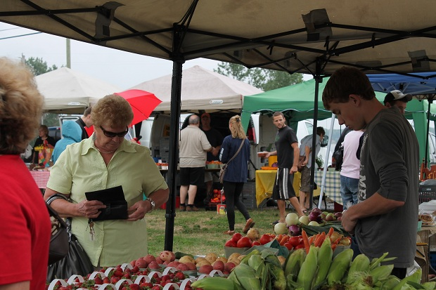 A Wet Long Sault Farmer's Market Report for August 10, 2012 by Reg Coffey