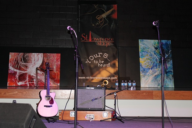 Season Opener for St. Lawrence Acoustic Stage in Morrisburg Ontario  by Reg Coffey – September 16, 2012