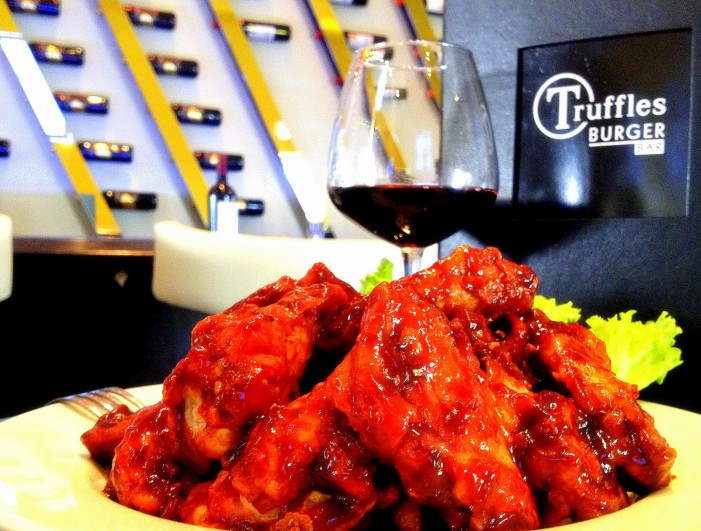 Tuesday Wing Night! Thursday Martini Madness at Truffles Burger Bar in Cornwall Ontario! Table 21 Opening Soon! VIDEO