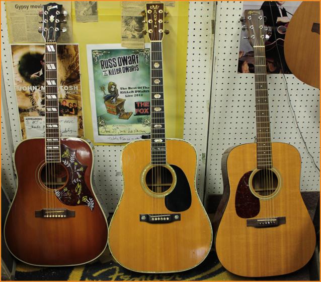 Gibson Hummingbird, 1975 Martin D41, 1989 Martn D18 l/h