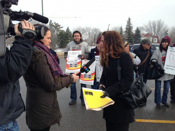 PSAC Members Invade Ottawa Loblaws Store Demand Higher Food Safety Standards – Dec 14, 2012