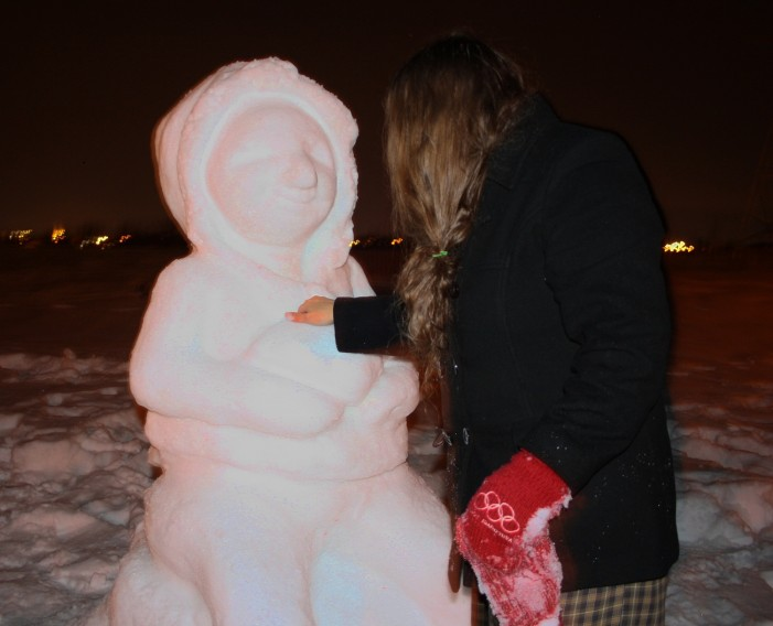 Your CFN Photo of the Day!  Kimberly Cameron Mother with Child Snow Woman Creation! January 14, 2013