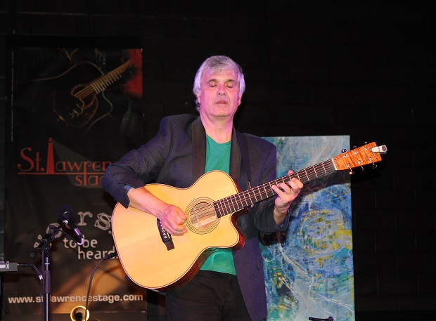 Laurence Juber Astounding at St. Lawrence Acoustic Stage by Reg Coffey – April 27, 2013
