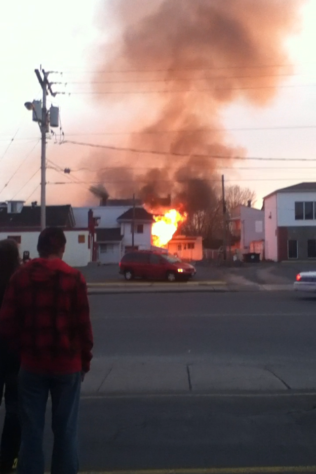 Fire Strikes Cornwall Ontario Monday Night – Marlborough & Montreal Road Area – April 15, 2013
