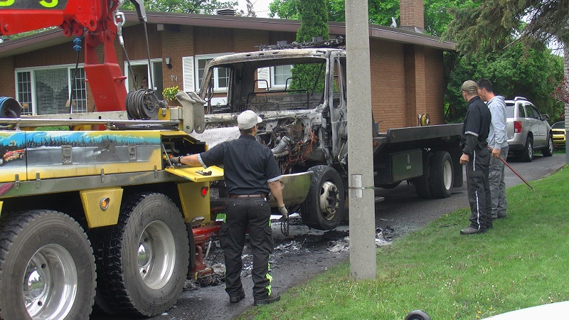 BURNT TOW TRUCK