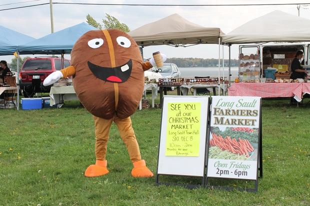 Rain or Shine the Long Sault Market is Still Open by Reg Coffey June 30, 2013