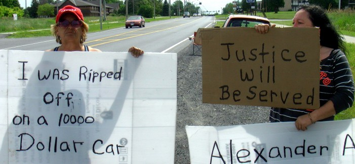 Alexander Auto in Cornwall Ontario Picketed by Unhappy Customer – June 20, 2013