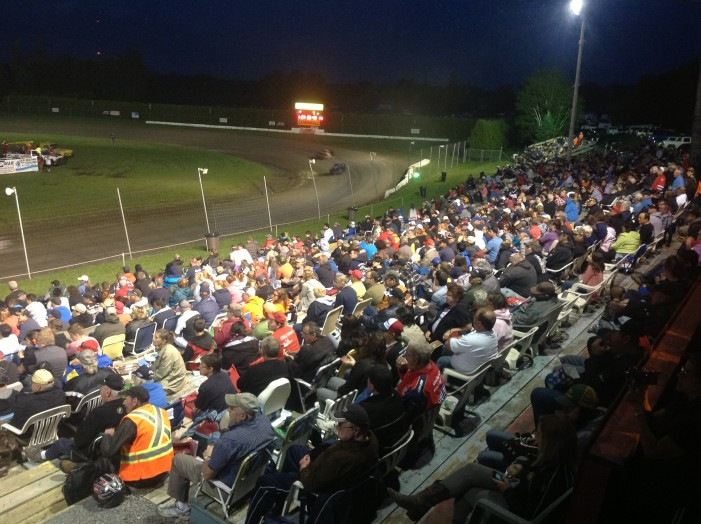 World of Outlaws Late Models invades Cornwall Motor Speedway this Sunday!! by Martin Bélanger