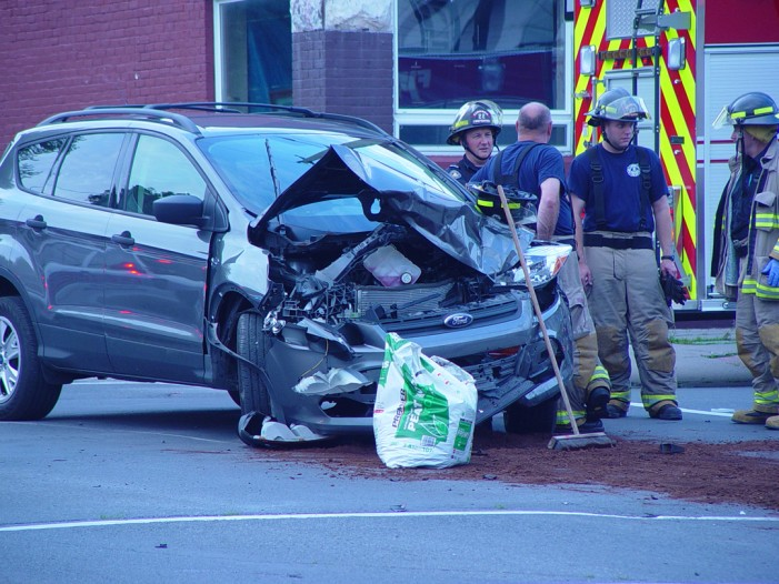 3 Vehicle Crash at Pitt and Fifth Street in Downtown Cornwall Ontario – July 8, 2013