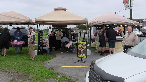 A Chilly Day at the Long Sault Farmer's Market by Reg Coffey – Sept 14, 2013