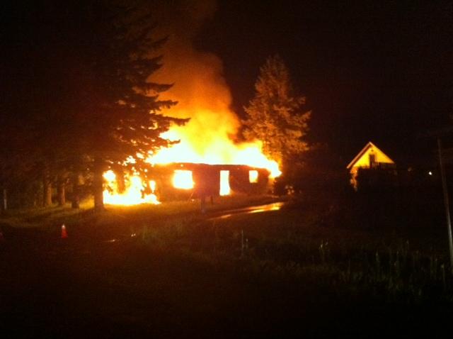 Fire Strikes Pilon Point in Summerstown Ontario HD VIDEO – September 10, 2013