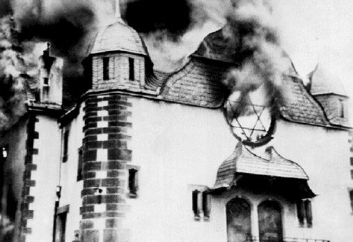 Burning_Synagoge_Kristallnacht_1938
