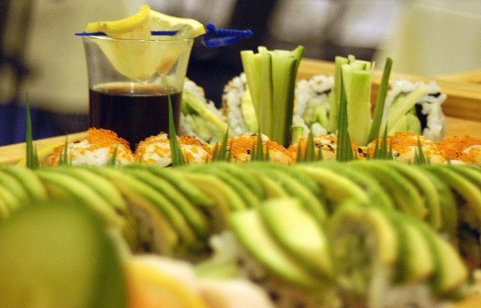 Moon Thai & Japanese Restaurant Review by Jamie Gilcig – November 21, 2013