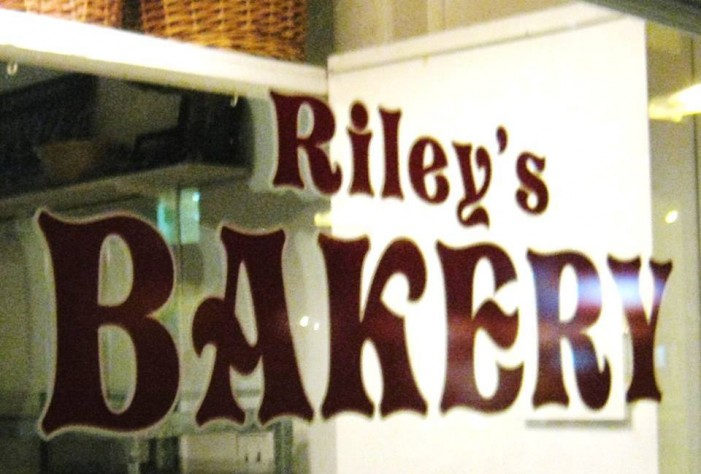 Cornwall Rallies to Riley's Bakery After Break In- by Jamie Gilcig DEC 10, 2016