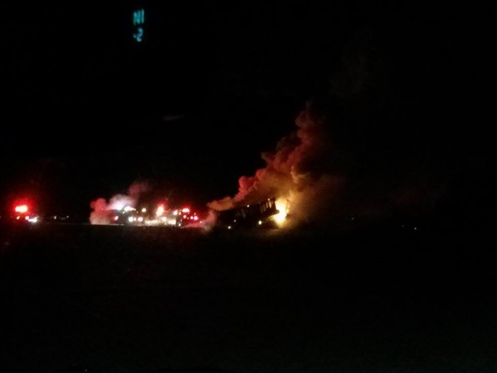 Highway 401 Eastbound Shut Down Due to Tractor Trailer Fire – Jan 21, 2014