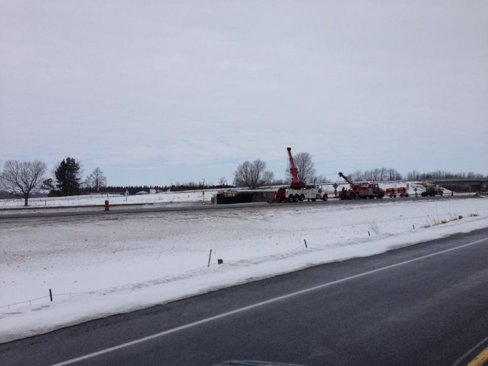 Tractor Trailer Jack Knife Closes Hwy 401 Eastbound – 10:56 AM Saturday March 8, 2014
