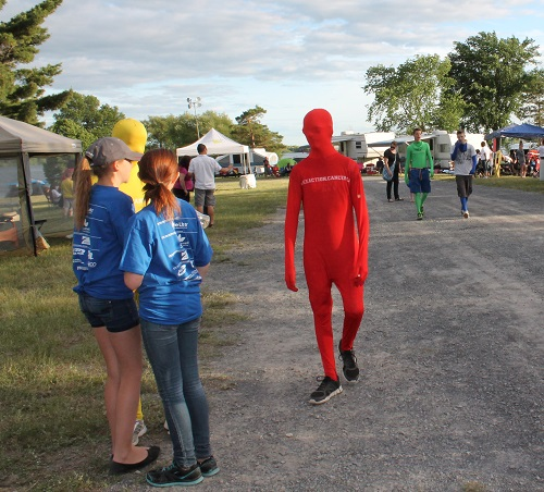 Relay for life colourful costumes 20Jun14