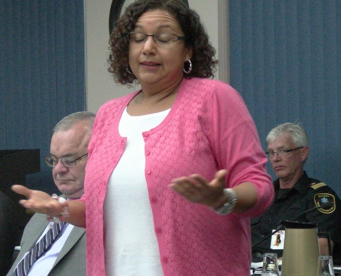Cornwall Mayor & Garlic Fest Brenda Norman Trash Maclean's Story in Seaway News 083117