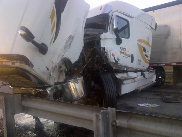 Pics From Collision that Shut Down Highway 401 Near Cornwall Ontario