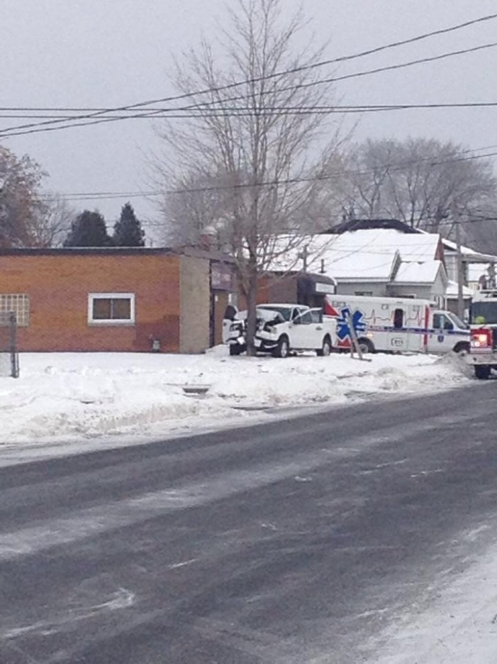 UPDATE Tree 1 Truck 0 on 11th Street in Cornwall Ontario – #CCPS #CFS #CEMS 20/12/14