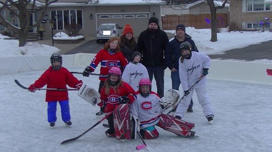 Grinch Complains to City Hall About Kids Ice Rink in Cornwall Ontario – 22/12/14  POLL & PETITION