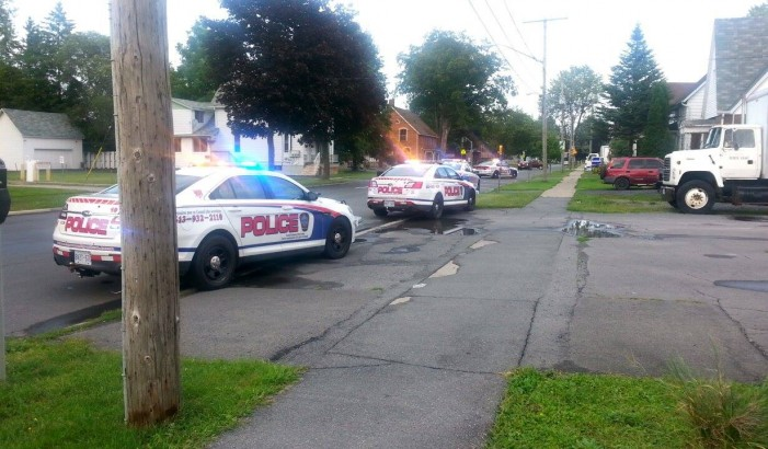 BREAKING – Police Cars Swoop in on 4th Street in Cornwall Ontario – #CCPS Aug 14, 2015  UPDATED