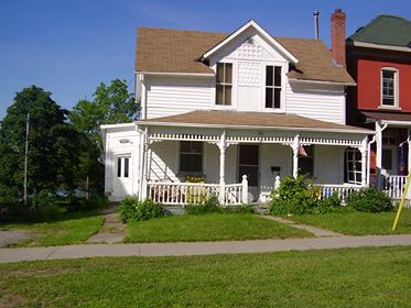 Historic Waterfront Farm House For Sale in Smiths Falls ON 080117
