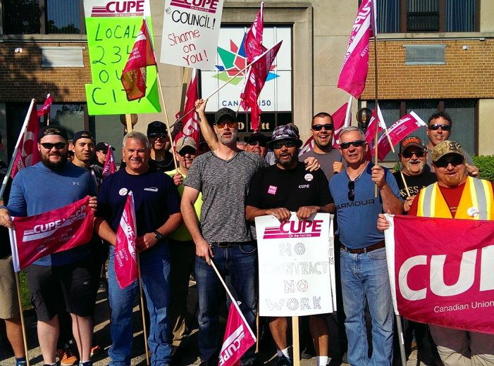 CUPE on STRIKE in Cornwall Ontario DAY 1 – City Doesn't Send Release to CFN 051718